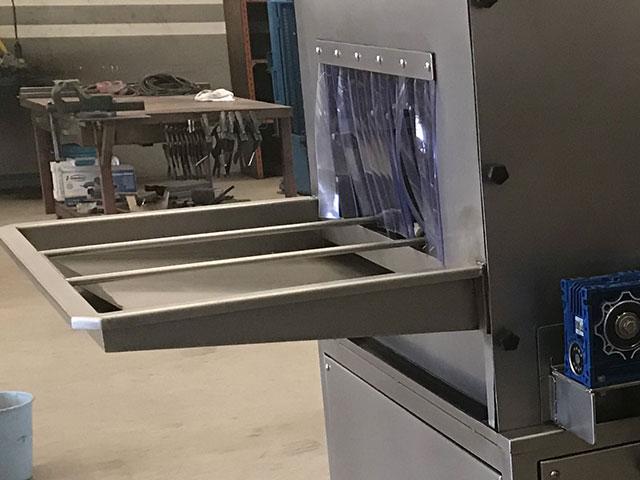 Lavadora de cajas tobogán de entrada