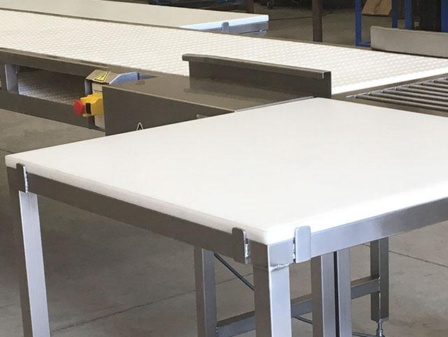 Transportadores de banda modular con mesas
